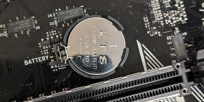 CMOS батерия